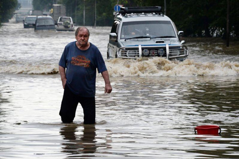 Затопленные улицы Уссурийска.