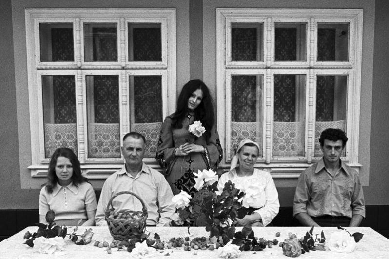 Певица София Ротару в кругу семьи. 1979 год.