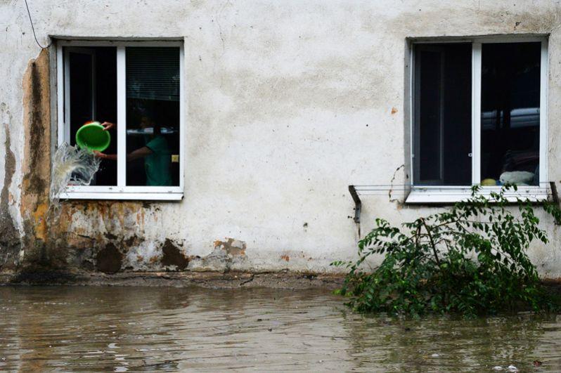 Подтопленный дом в Уссурийске.