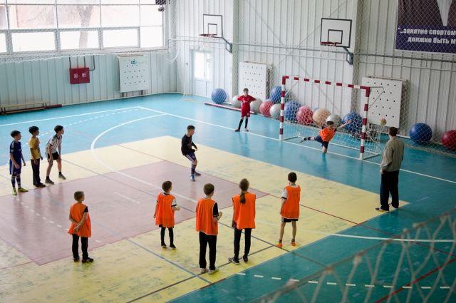 ВВолгоградской области населе починят 16 школьных спортзалов