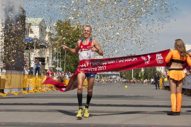 На марафон приехали спортсмены со всей России.