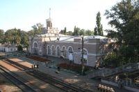 Вокзал станции Каменская, рядом с которым произошла катастрофа.