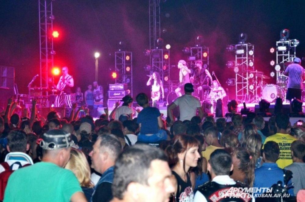 40-градусная жара, установившаяся на Кубани в выходные, фестивалю не помешала.