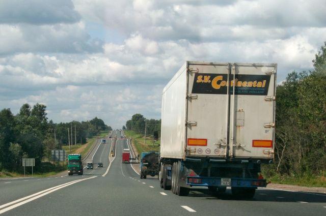Руководитель Волгоградской области раскритиковал дорожников заплохой контроль над фурами