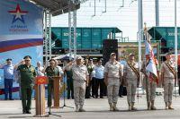 Сергей Шойгу вручил орден Жукова 39 отдельной железнодорожной бригаде, строящей железнодорожный участок Журавка – Миллерово.