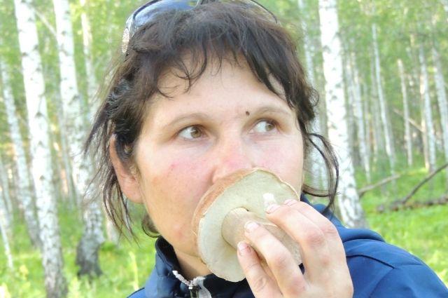 По 100 вёдер за сезон собирает Наталья.
