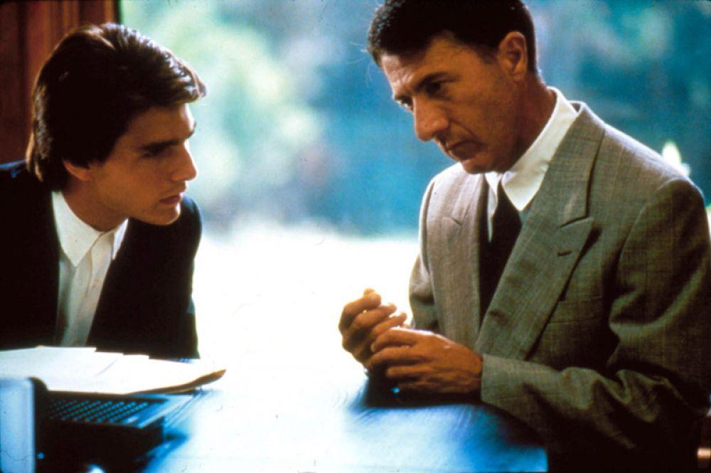 В 1988 году крупный успех ожидал фильм Барри Левинсона «Человек дождя» (1988), во многом благодаря актёрскому таланту Хоффмана. За роль больного аутизмом Рэймонда Бэббита он получил второй «Оскар» и пятый «Золотой глобус».