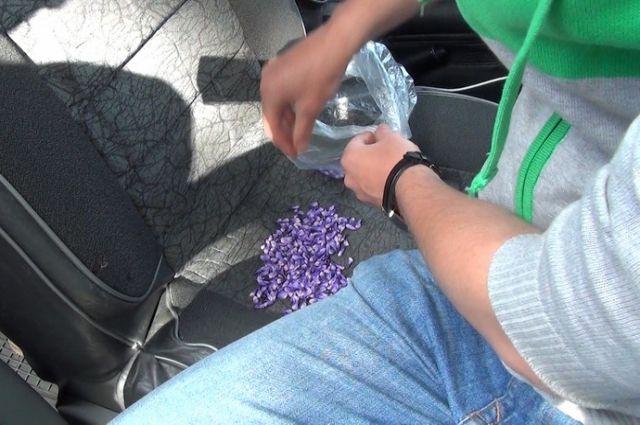 Задержана жительница Калининграда, купившая у иностранца 5 кг наркотиков.