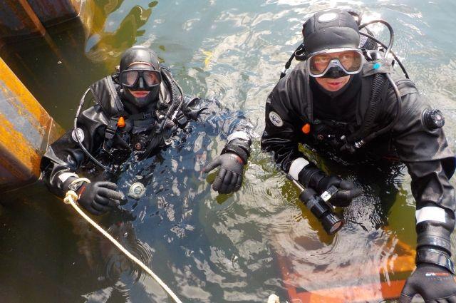 Водолазы несколько раз обследовали акваторию.