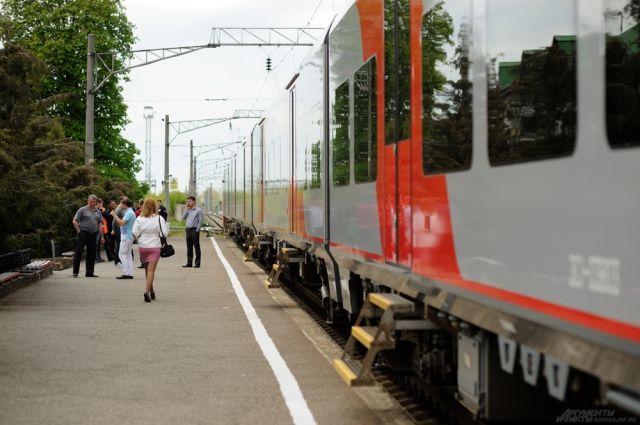 До конца августа с поездом будет курсировать дополнительный вагон
