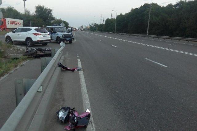 Под Брестом МАЗ сбил мотоцикл: шофёр Сузуки ранен, пассажир умер