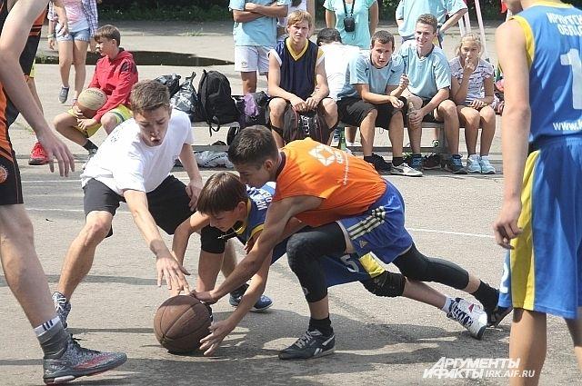 Состязания будут проводиться по действующим правилам уличного баскетбола.