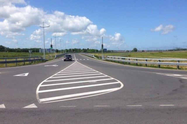 Из-за ДТП с участием легковушек и грузовиков блокировано Приморское кольцо.