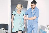 В Филатовской больнице пациентам оказывают медицинскую помощь, а также физическую и моральную поддержку.