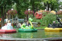 В воскресенье парк им. Горького приглашает своих друзей отпраздновать свой день рождения.