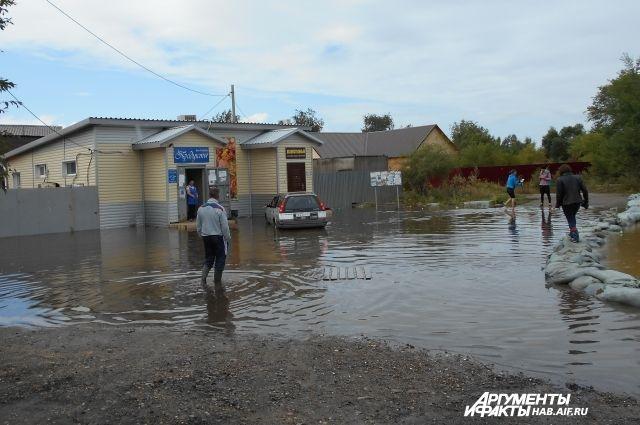 Магазин в пос. Тельмана, наводнение 2013 года