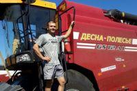 Комбайнёр Вячеслав Маклаков считает, что в эту уборку условия труда у него были самые лучшие за время его работы на земле.