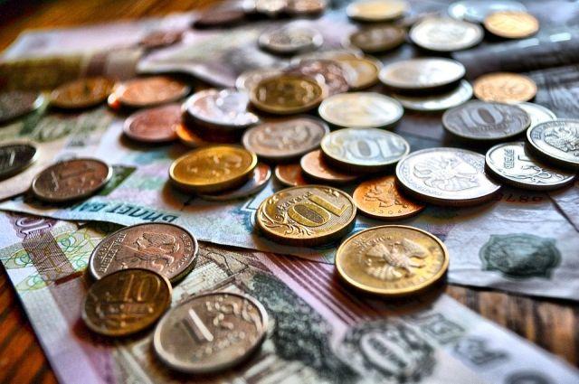 В Оренбуржье должник-алиментщик за 2 дня нашел 70 тысяч рублей.