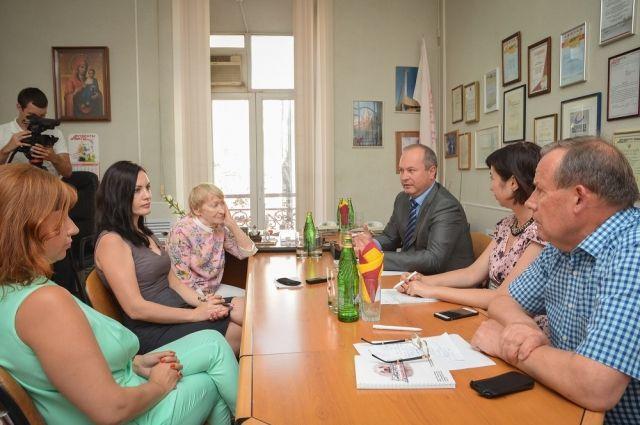 В ходе встречи с коллективом еженедельника «АиФ на Дону» сити-менеджер Ростова ответил более чем на три десятка вопросов.