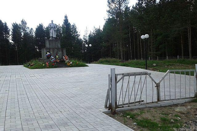 Крупнейшая в Карелии братская могила павших советских солдат и офицеров
