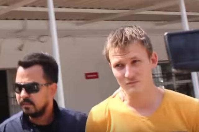 Ренат Бакиев - в желтой футболке.