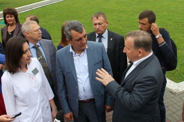 Меняйло пообещал посодействовать Алтайскому краю соборудованием для тубдиспансера