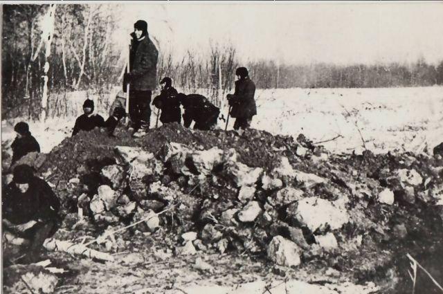 Немцы на строительстве ЧМЗ трудились по 11-12 часов в день в любую погоду.