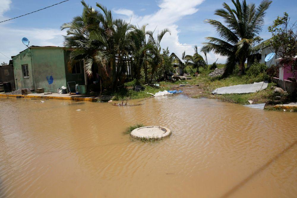 Затопленные улицы в городе Натула штата Веракрус.