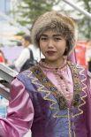 Представительница шорцев в национальном костюме.