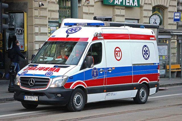 ВПольше перевернулся пассажирский автобус, пострадали 28 человек