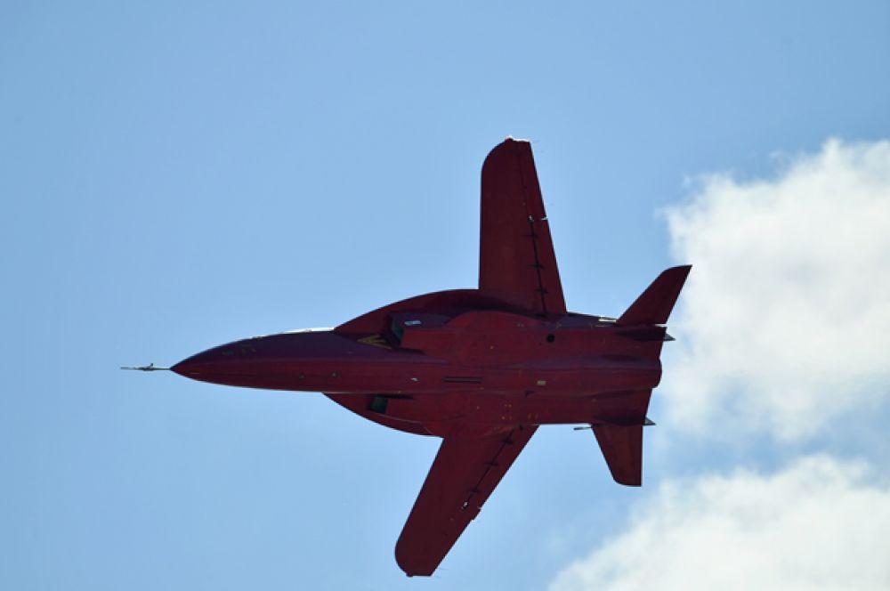Спортивно-пилотажный, учебно-тренировочный самолёт СР-10.