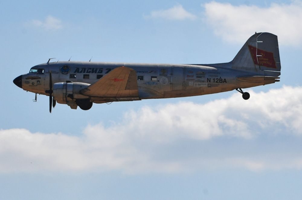 Главный транспортный самолет Второй мировой войны Дуглас ДС-3.