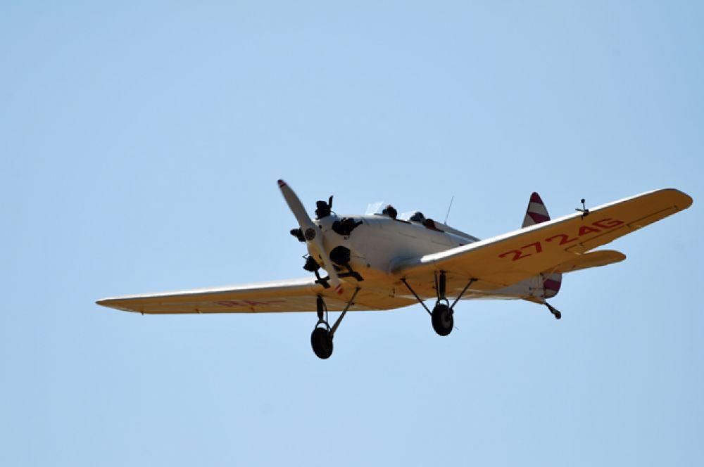 Самолет Злин-142.