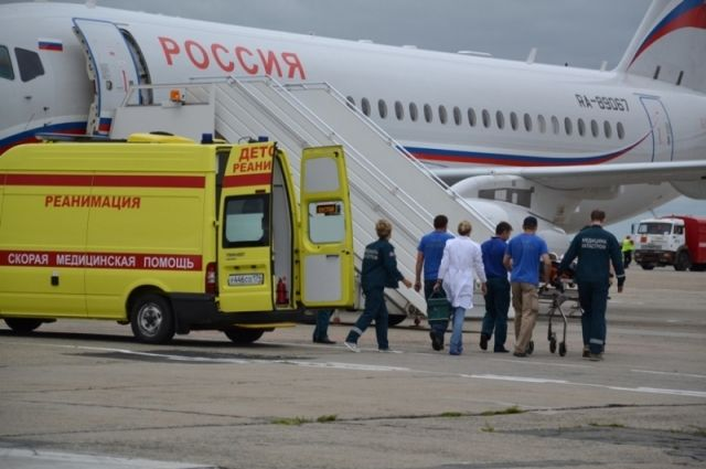 ИзЧелябинска в столицу  спецбортом доставили девочку, потерявшую семью вДТП