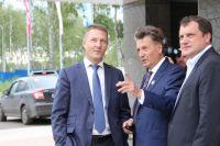 Ход строительства объектов лично проверил член совета директоров компании Игорь Максимов.