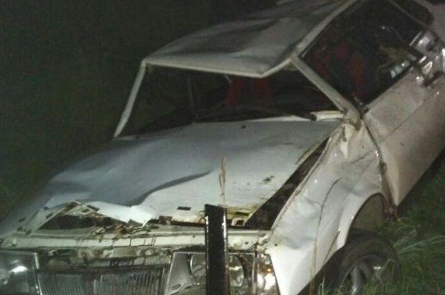 ДТП под Тобольском: один погиб, второй порезал лицо, третий ударил голову