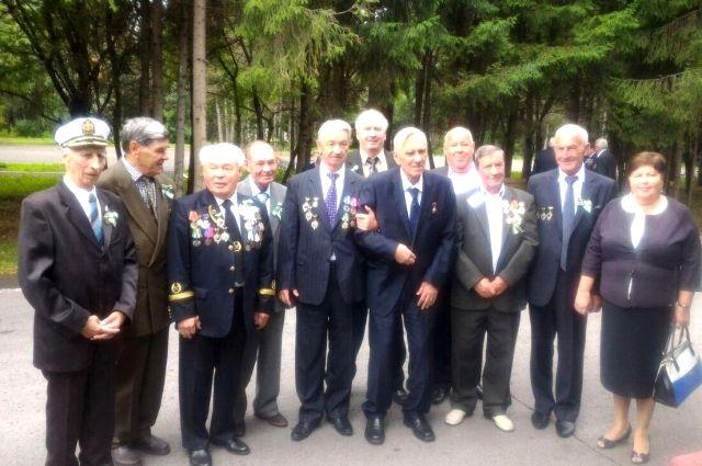 В Кузбассе поздравили горняков-ветеранов с приближающимся праздником.