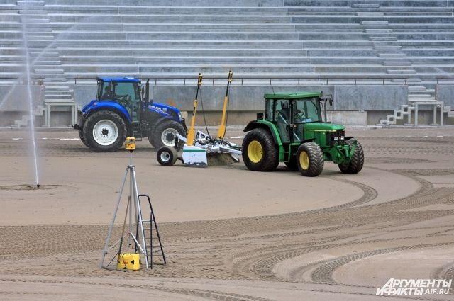 На стадионе к ЧМ в Калининграде решают проблему с низкими поставками песка.