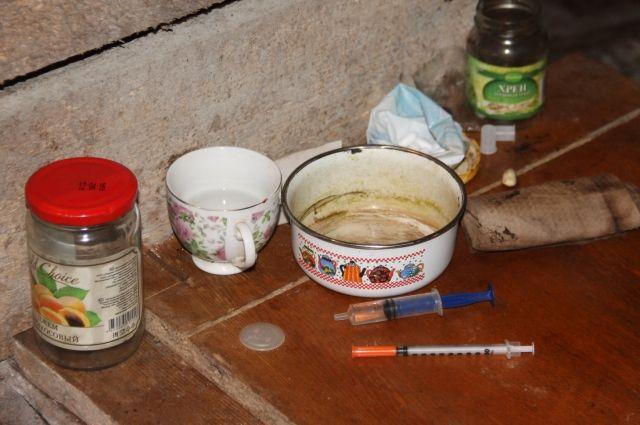 Под Неманом полицейские обнаружили нарколабораторию по производству маковой соломы.