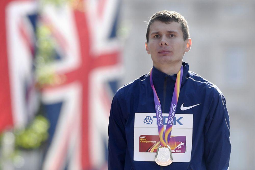 18-летнему спортсмену, для которого этот ЧМ стал дебютным, не хватило двух секунд, чтобы стать первым.
