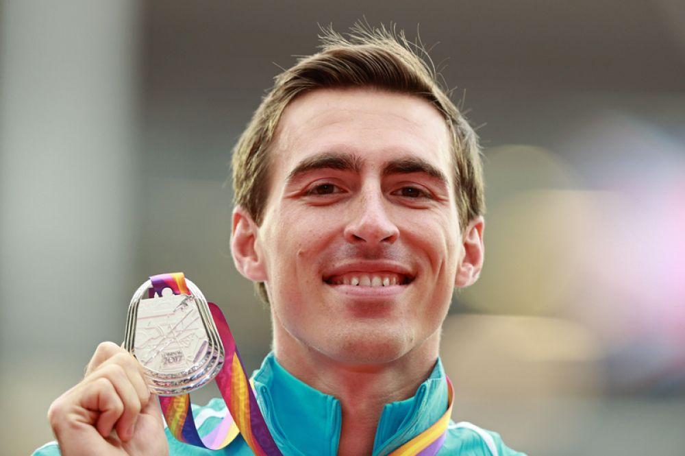 Россиянин Сергей Шубенков выиграл первую для отечественных атлетов медаль под нейтральным флагом.