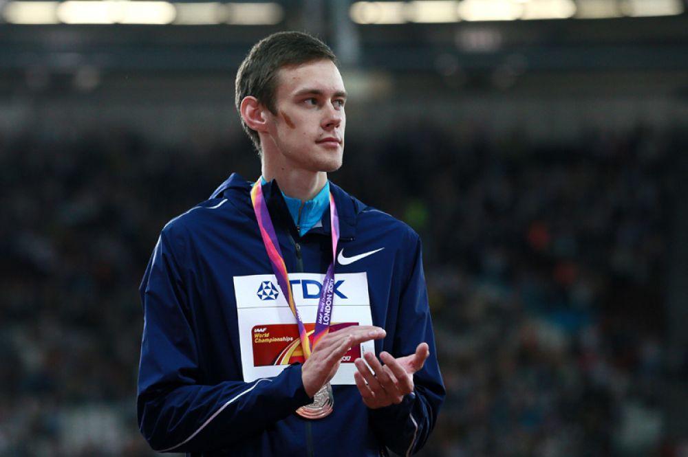 Он завоевал серебро ЧМ в прыжках в высоту.