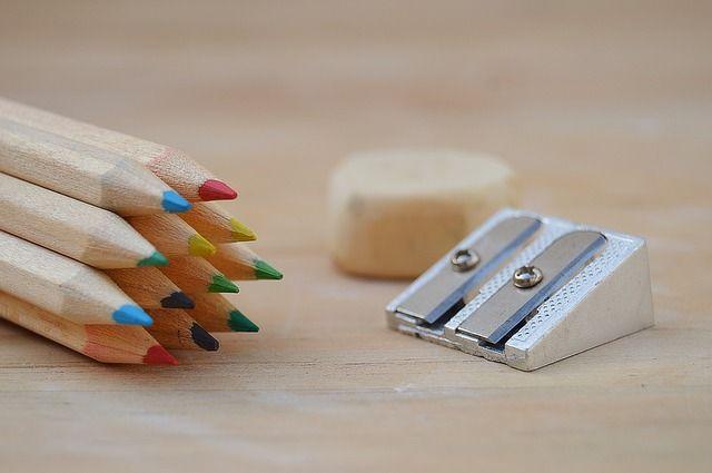 За минимальный набор школьных принадлежностей родителям придётся выложить немалую сумму.