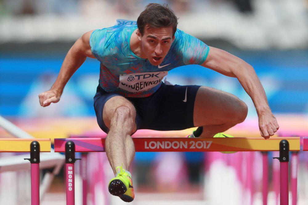 На дистанции 110 метров с барьерами он завоевал серебро.