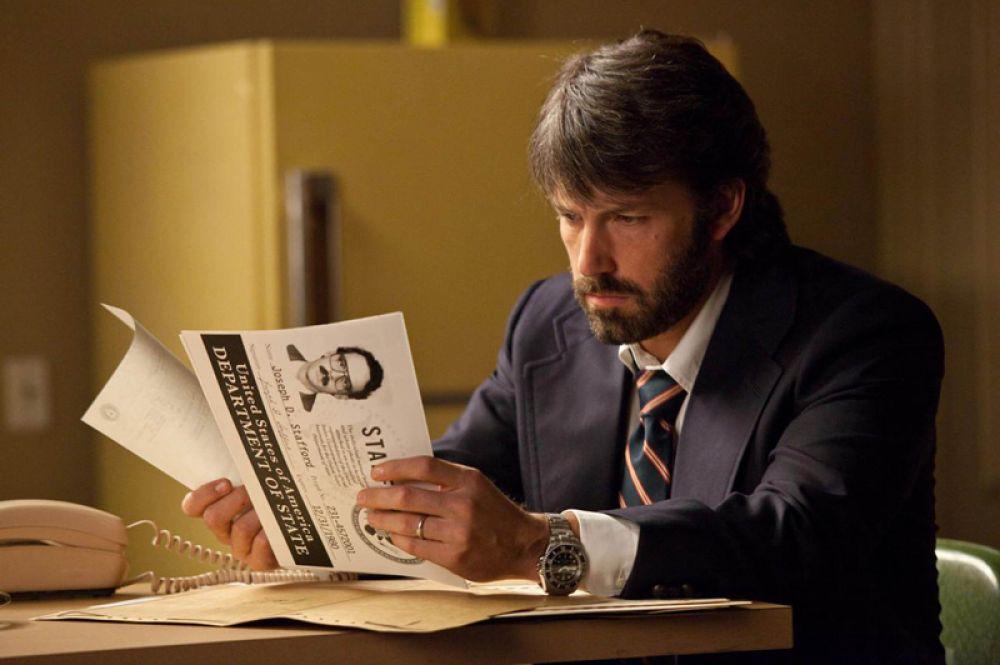 """В 2013 году Аффлек получил премию «Оскар» за лучший фильм года как продюсер фильма «Операция """"Арго""""»."""