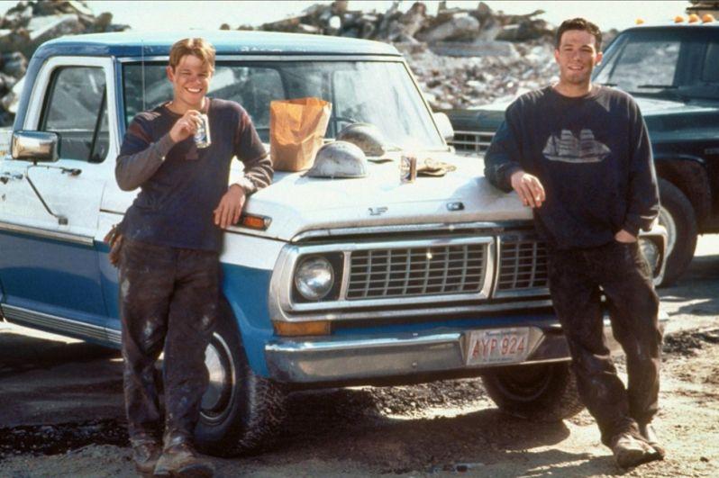 Вышедшая в прокат в 1997 году картина «Умница Уилл Хантинг» режиссёра Гаса Ван Сента с бюджетом всего в 10 миллионов долларов собрала в прокате более 200 миллионов. За сценарий к этой картине Мэтт и Бен получили «Оскар» и «Золотой глобус», которые стали их билетом в мир большого кино.
