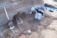 Раскопки на Троицком кладбище Ижевска в 2007 году.
