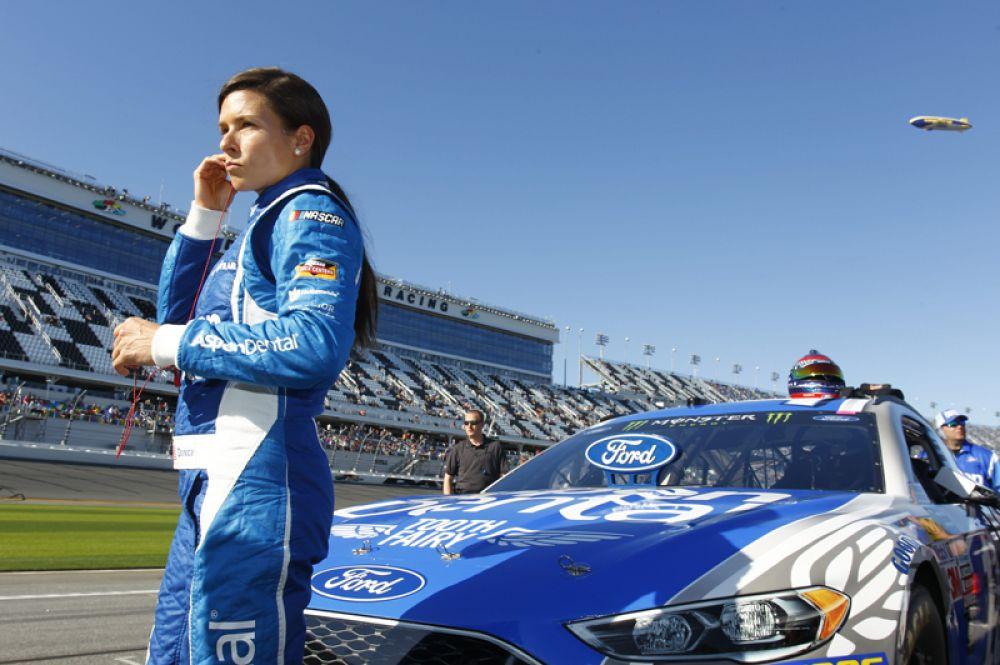 Американская автогонщица Даника Патрик оказалась на третьем месте. Её доход составил 12,2 миллионов долларов.