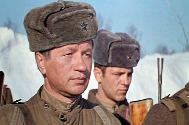 Леонид Быков в фильме «Аты-баты, шли солдаты...».