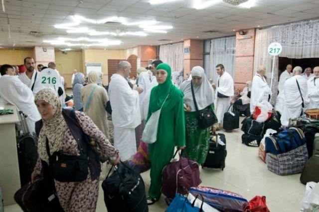Первая группа паломников изКБР отправилась вМекку